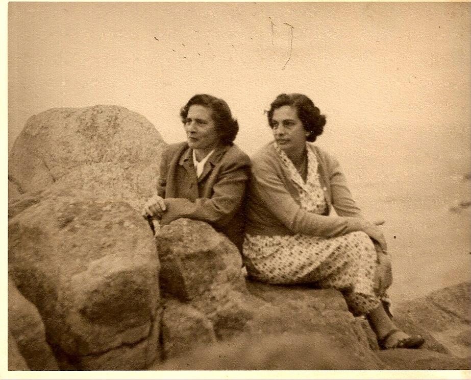 Despina & Lola